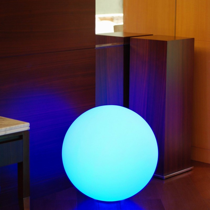 boule lumineuse multicolore solaire solsty lumisky leds. Black Bedroom Furniture Sets. Home Design Ideas